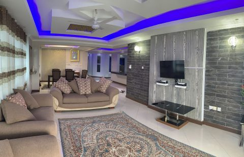 Full Furnished 4BHK Apartment - Creek View - 1st Row Tudor
