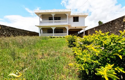 CHARMING SIX BEDROOM MAISONNETE FOR-SALE IN NYALI